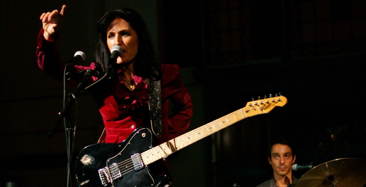 Joan as Police Woman cancelou concertos no Misty Fest (e restante tour europeia)