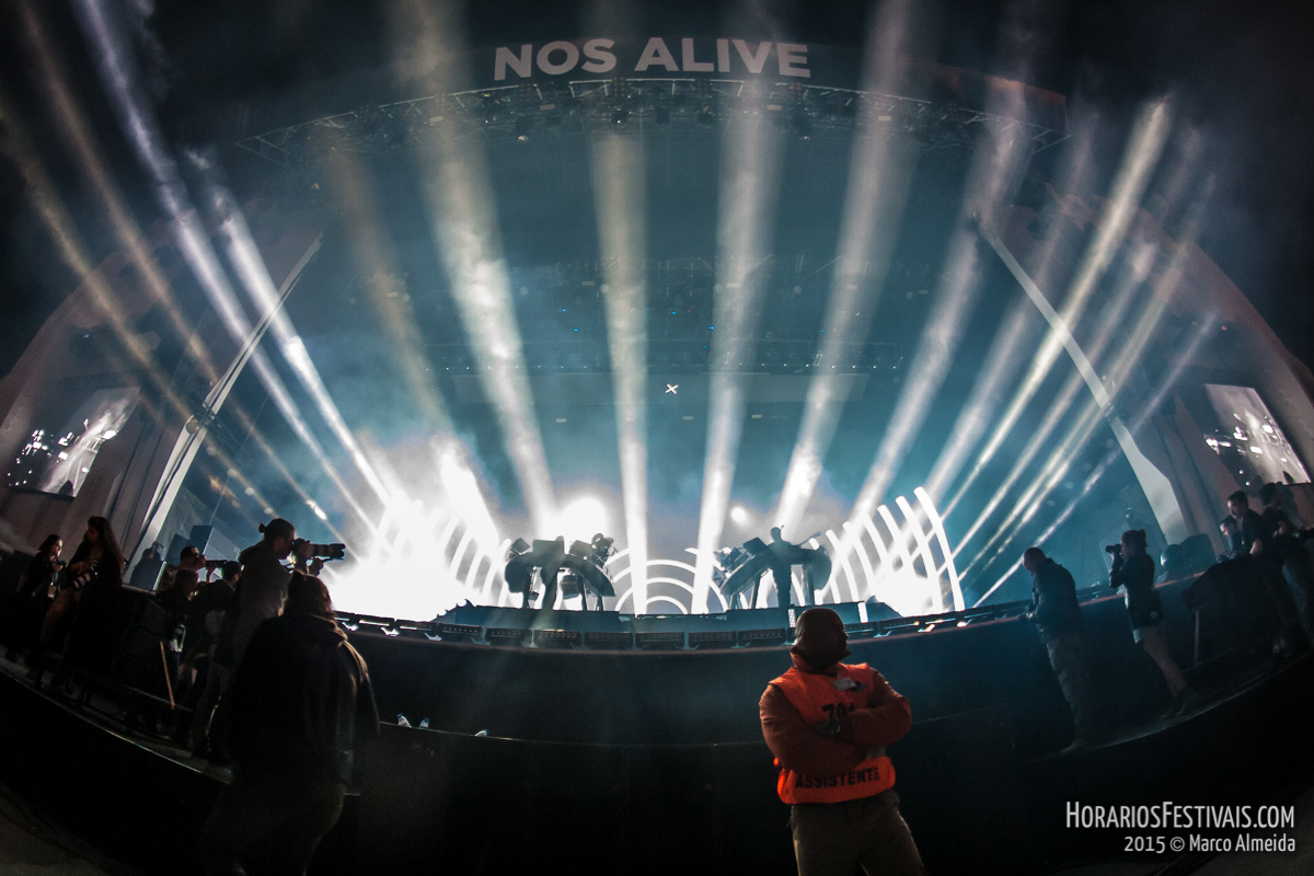 O último dia do NOS Alive deixou-nos Dead