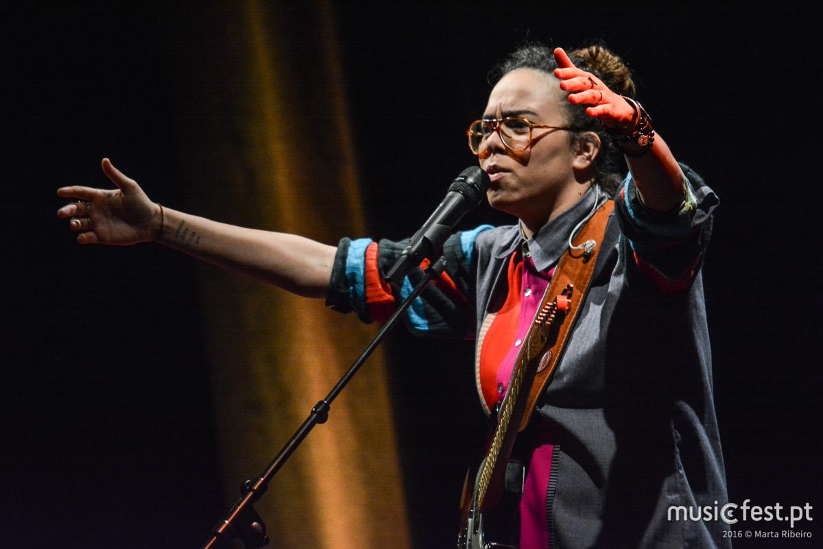 Maria Gadú e Portugal alimentam paixão mútua - A reportagem no concerto do CCB