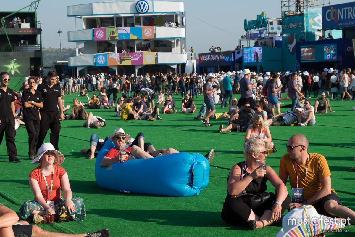 Onde a relva é mais verde - O primeiro dia do festival NOS Alive 2016