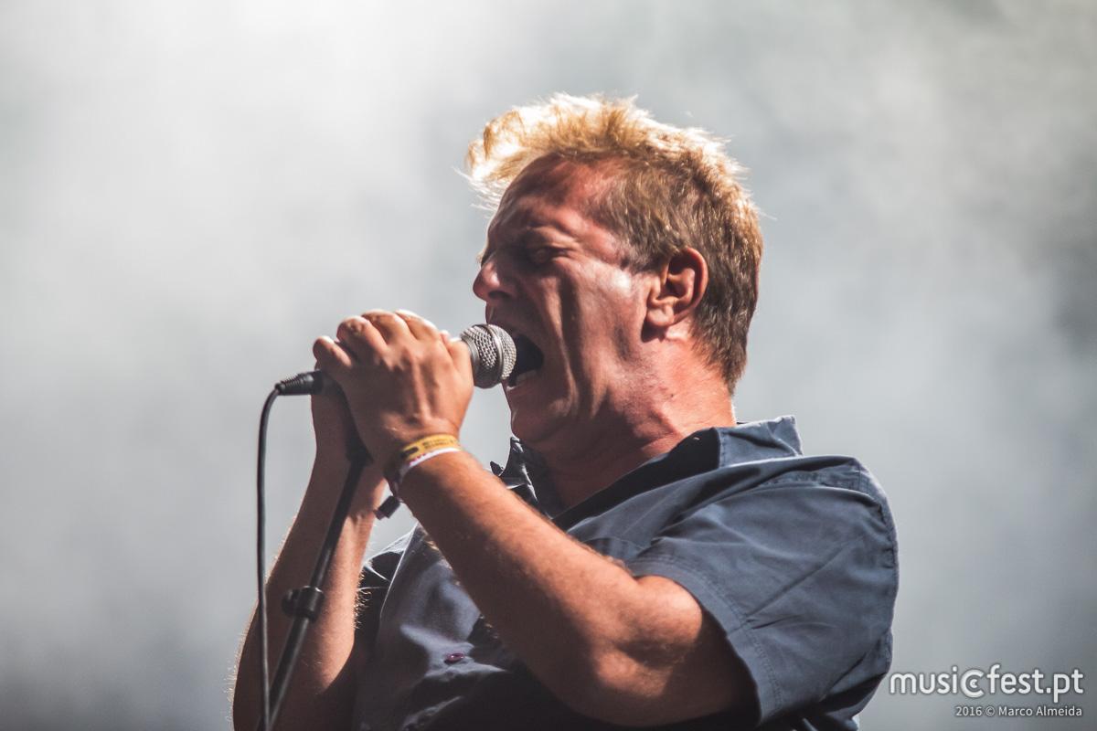 """Mão Morta anunciam digressão 25 Anos de """"Mutantes S. 21"""", disco ao vivo e novo disco de originais"""