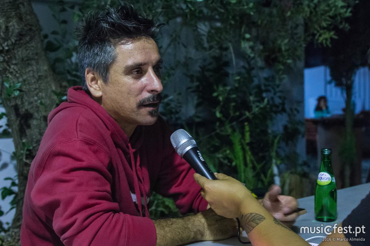 """""""Era um sonho vir cá fazer a noite"""" - Jorge Cruz, em entrevista, após o concerto dos Diabo na Cruz, na Festa do Avante!"""