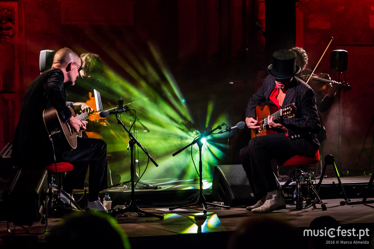 Dar vida às Ruínas do Carmo - Reportagem no concerto dos Dead Combo