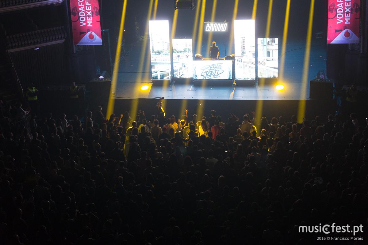 Vê aqui todas as fotos de Branko no Vodafone Mexefest