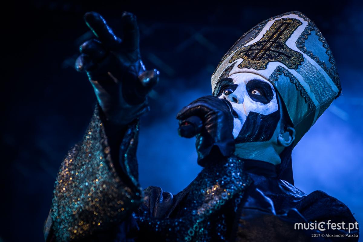 Depois da tour com os Metallica, Ghost actuam na Sala Tejo da Altice Arena em Dezembro