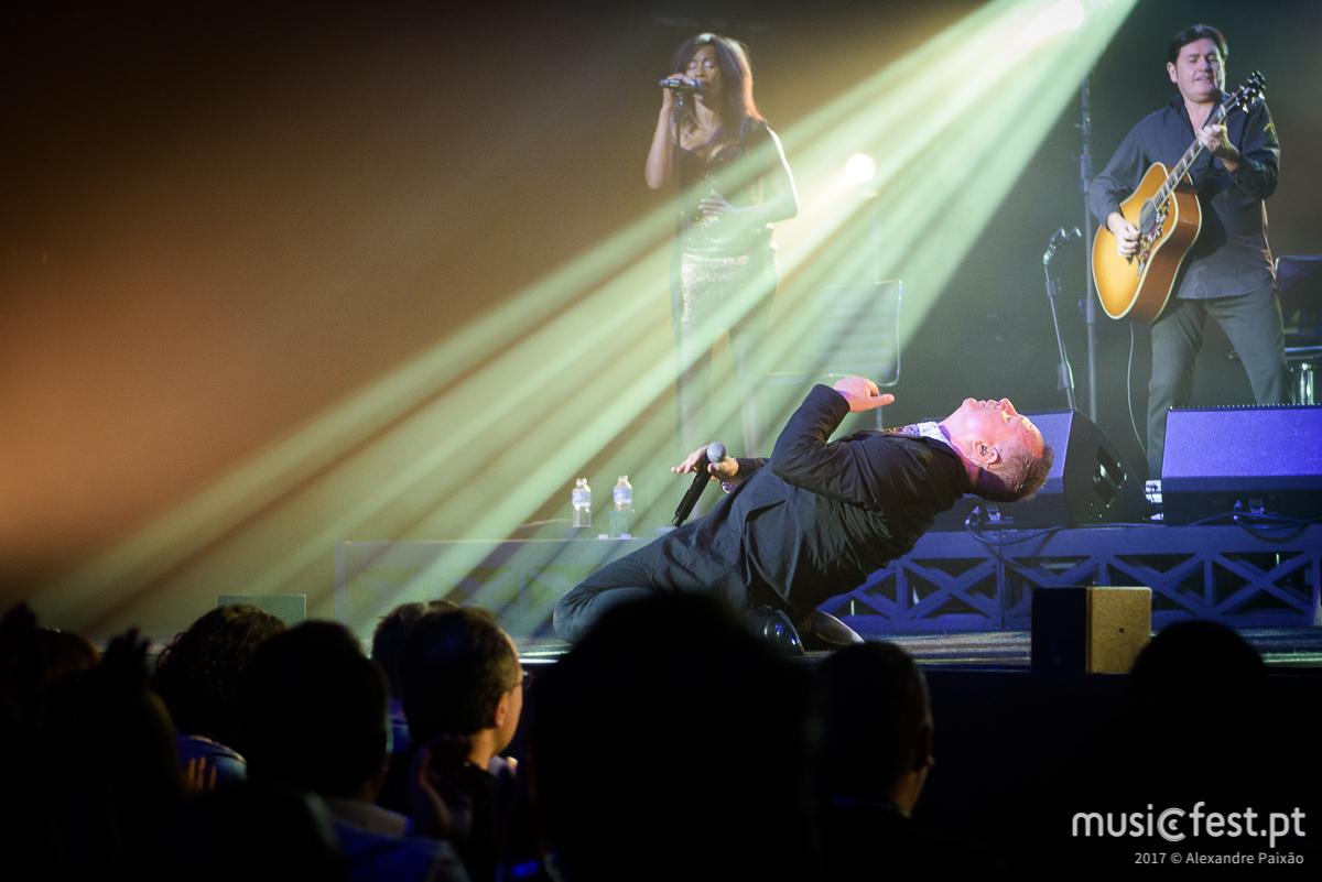 Simple Minds celebram 40 anos de carreira com 2 concertos em Portugal