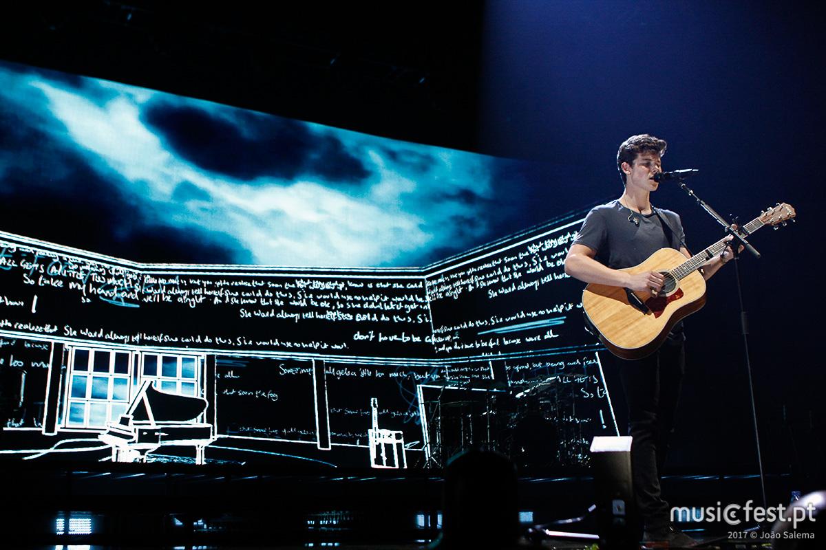 Vê aqui todas as fotos de Shawn Mendes no MEO Arena