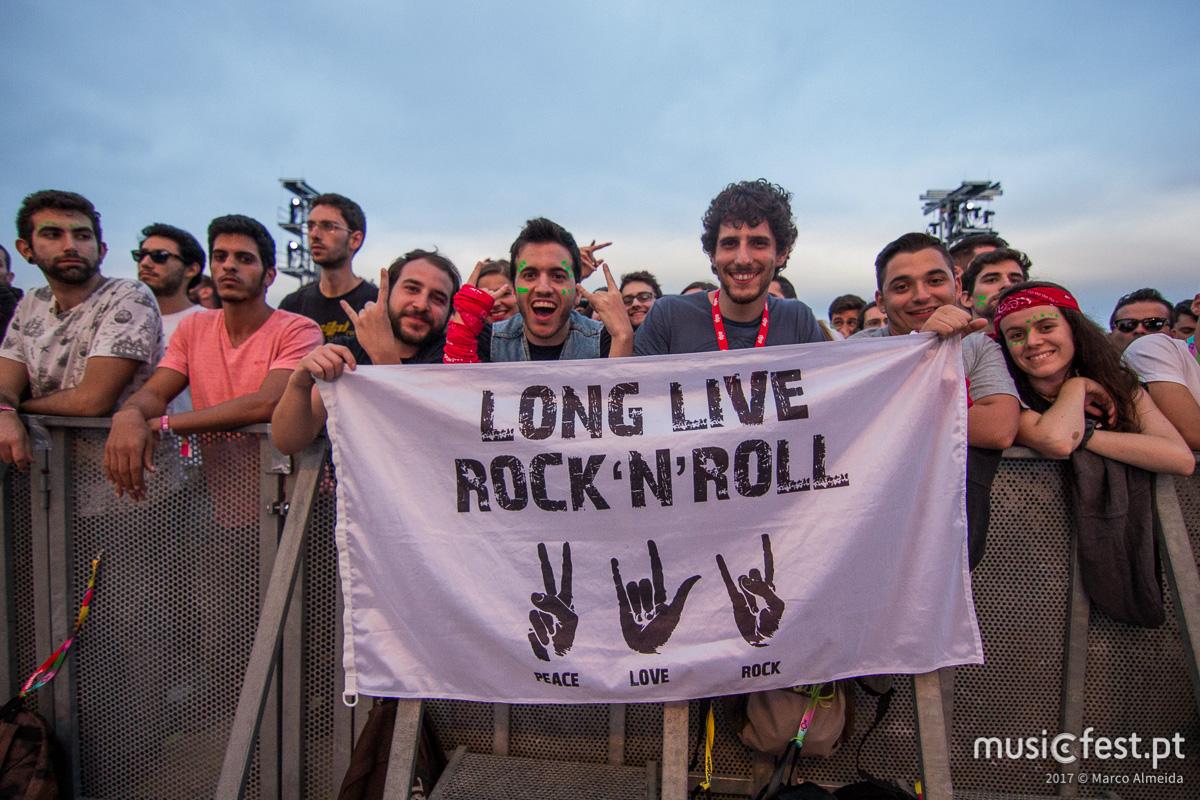 Ao segundo dia de NOS Alive'17, quem ganhou foi o rock sem espinhas