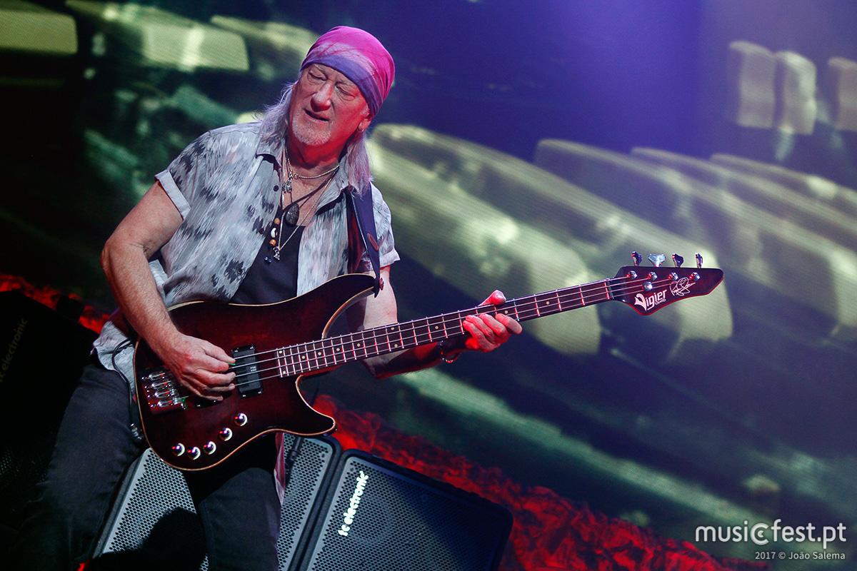 Vê aqui todas as fotos dos Deep Purple no MEO Arena