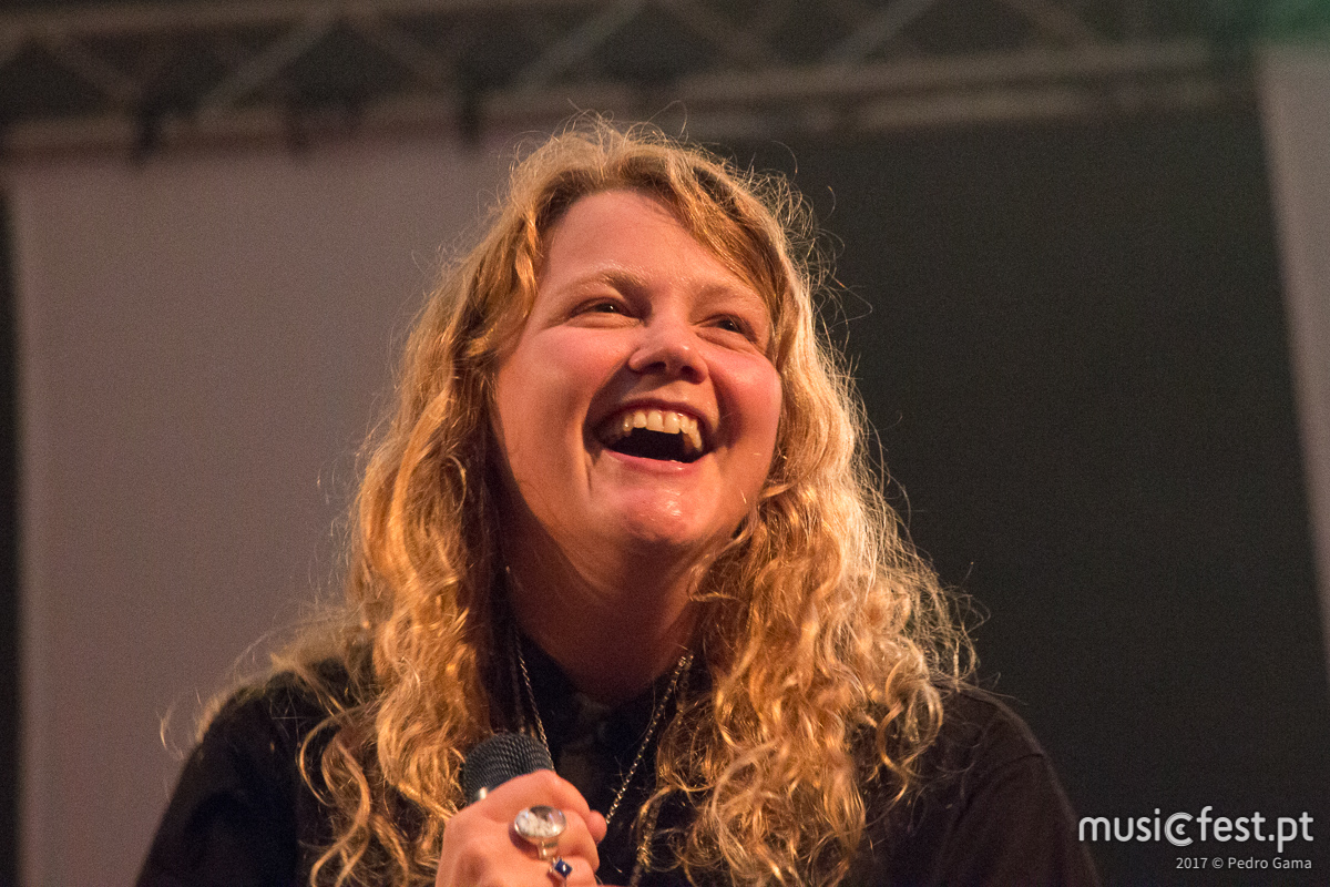 Vê aqui todas as fotos de Kate Tempest no Vodafone Paredes de Coura
