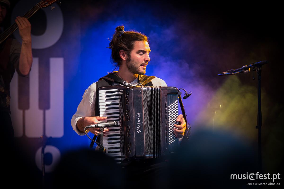 Vê aqui todas as fotos dos Maurizio Presidente na Festa do Avante