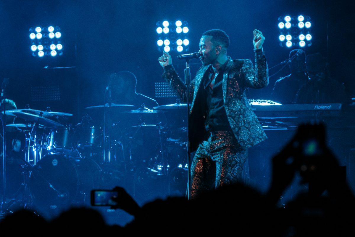 De alma lavada e coração quente, ou de coração lavado e alma quente – John Legend no MEO Arena