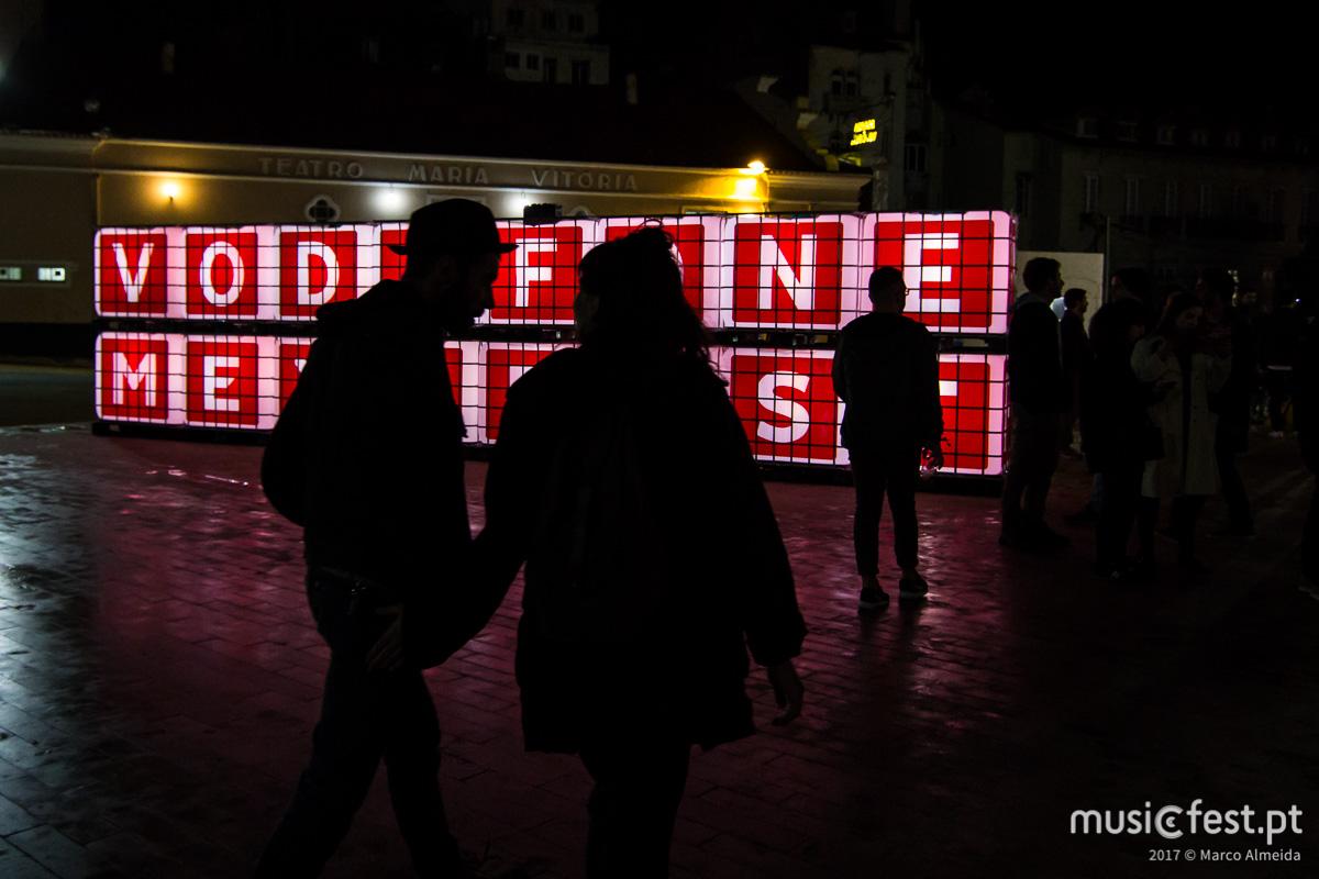 🌍 Voltámos ao sobe e desce da Avenida - os artistas internacionais no Vodafone Mexefest 2017