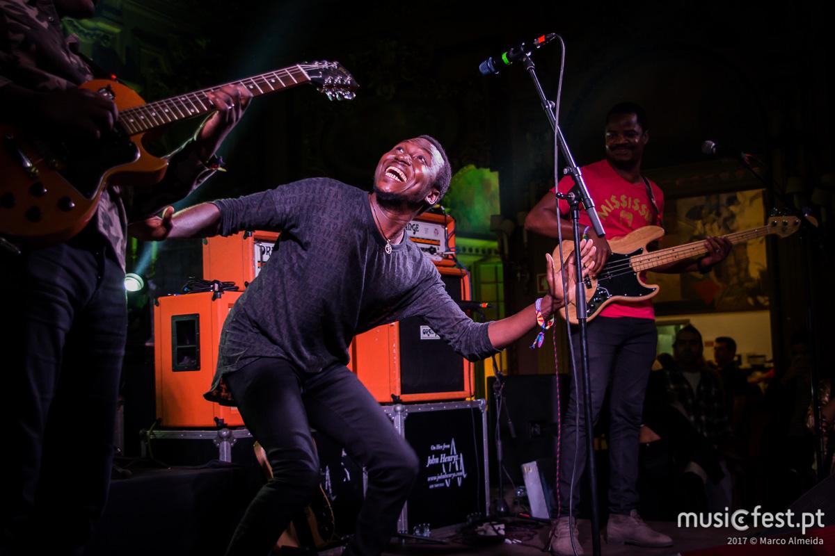Vê aqui todas as fotos dos Songhoy Blues no Vodafone Mexefest