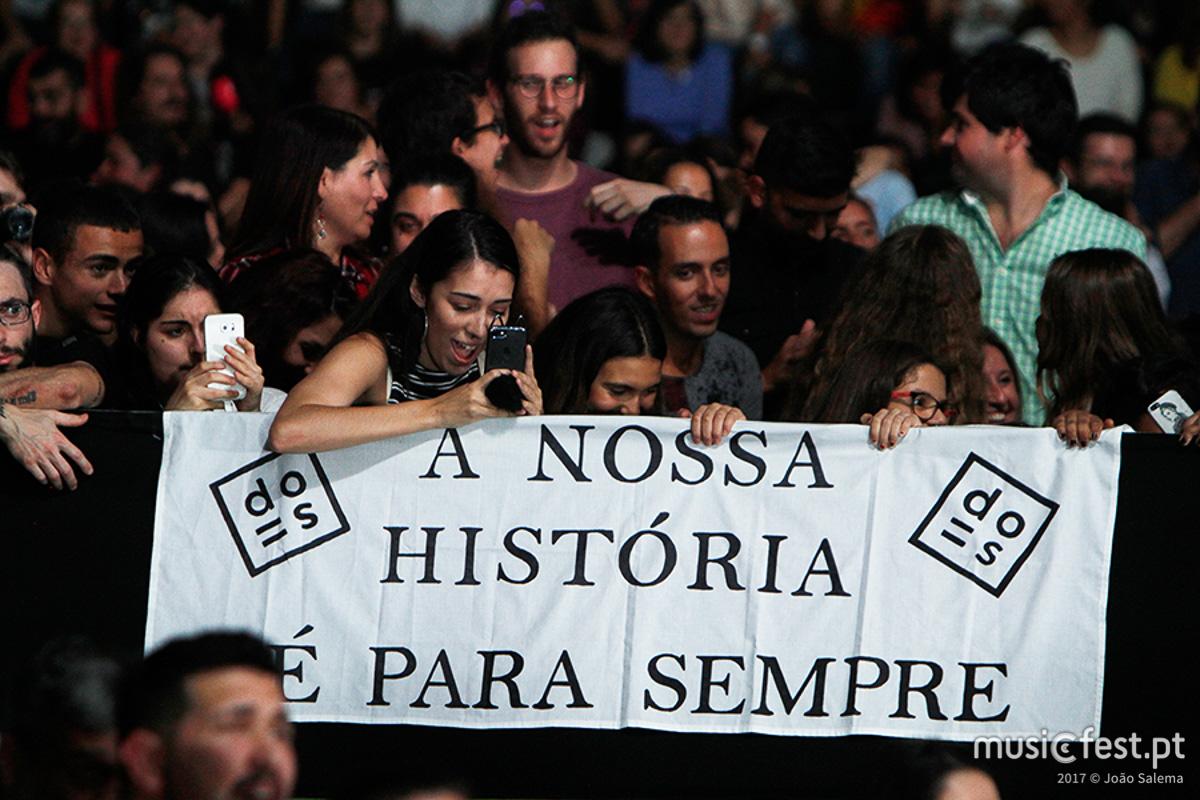 Vê aqui todas as fotos de Diogo Piçarra no Coliseu dos Recreios de Lisboa