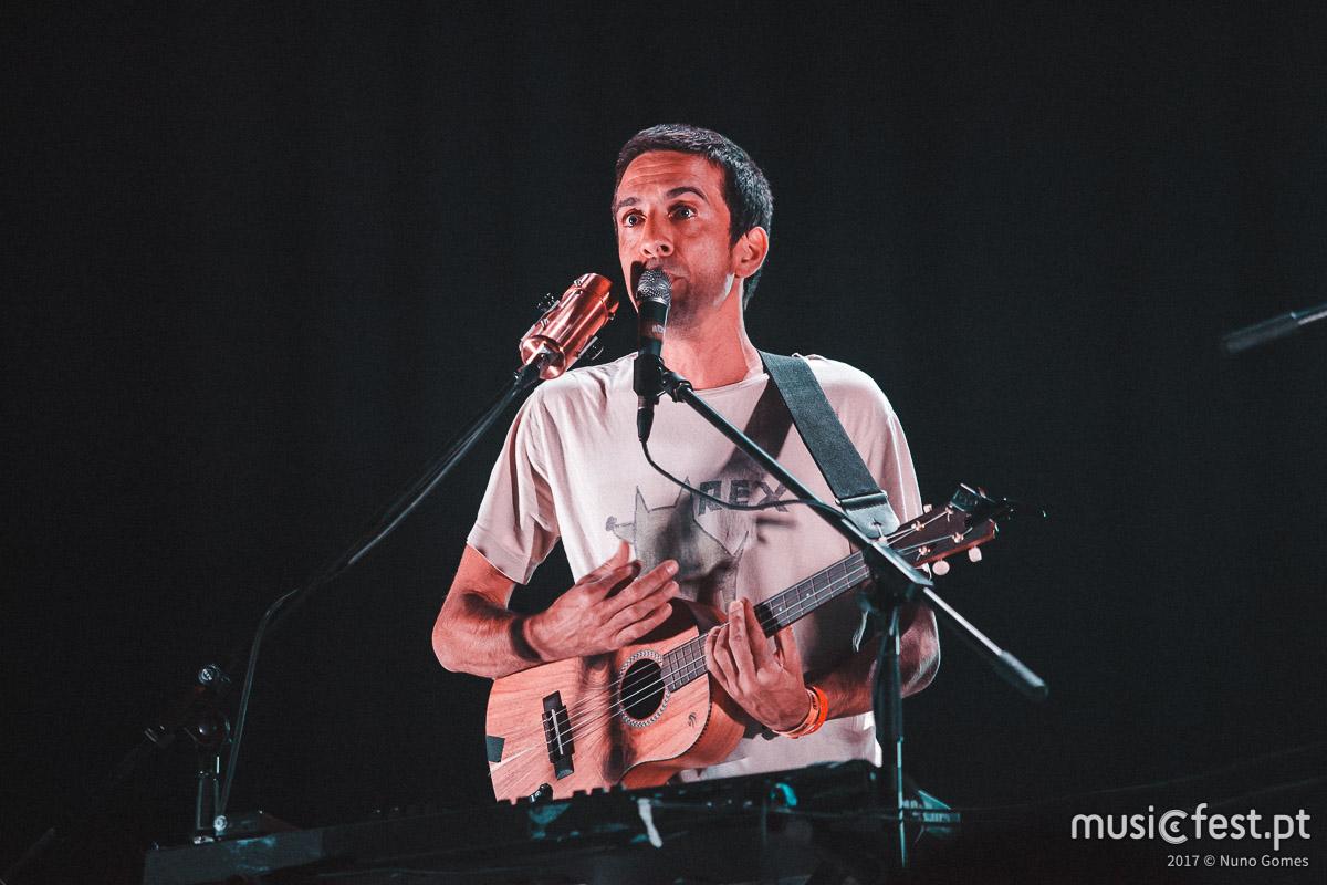 Vê aqui todas as fotos de Manel Cruz no Vodafone Mexefest