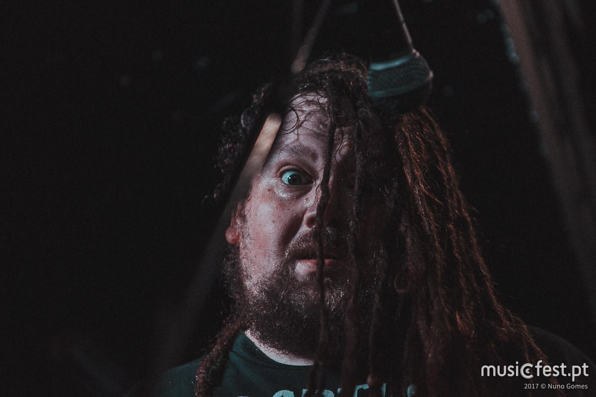 ☠️ Napalm Death + Deathrite + Besta: são tudo canções de Natal 🎄