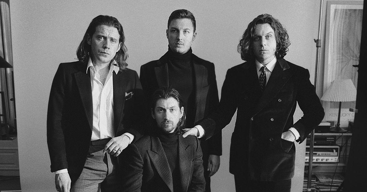 """Novo álbum dos Arctic Monkeys, """"Tranquility Base Hotel & Casino"""" à venda a 11 de Maio"""