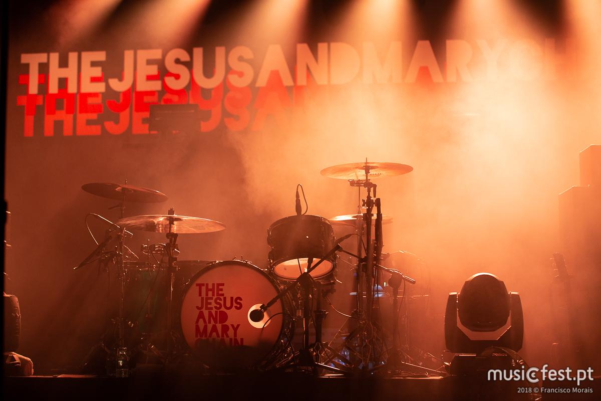 Vê aqui todas as fotos dos The Jesus and Mary Chain no Coliseu de Lisboa