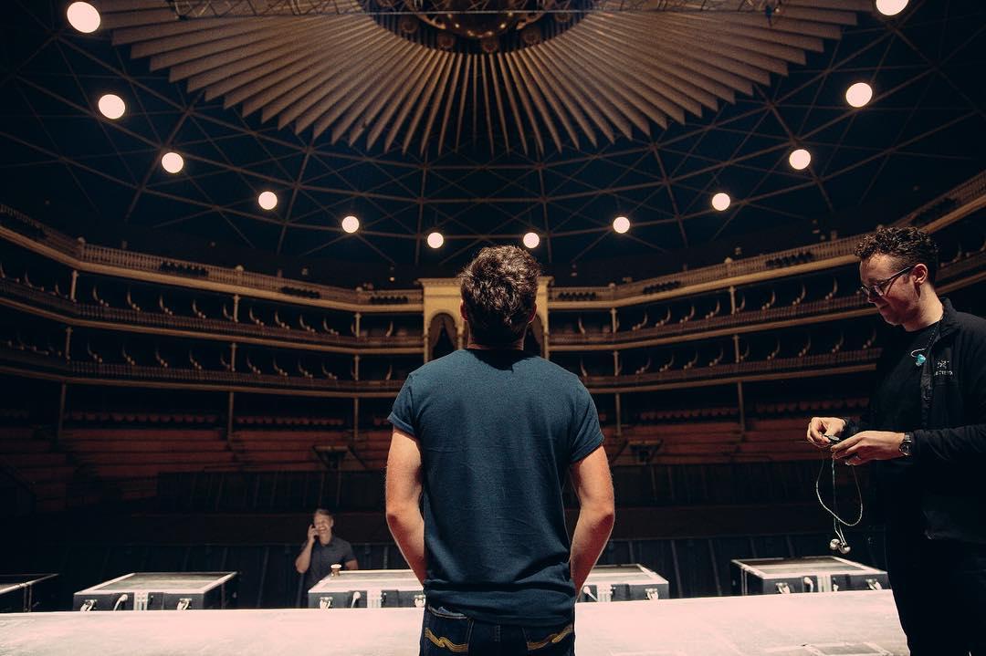 Este pop idol cresceu. E bem - Niall Horan no Coliseu