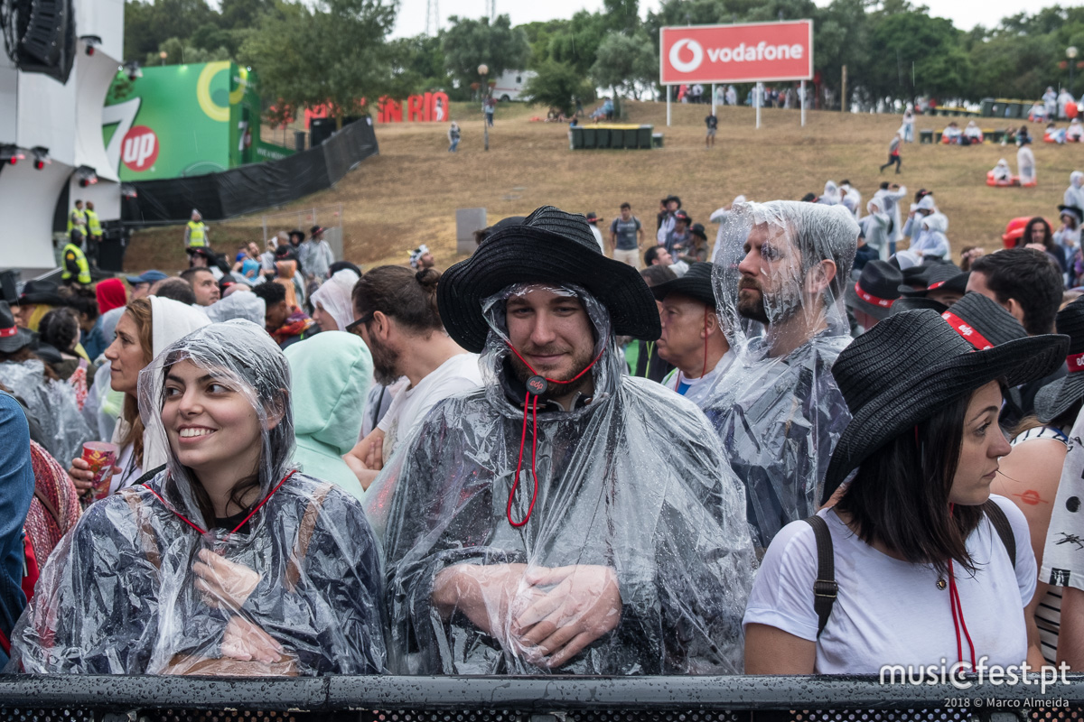 E eis que, ao terceiro dia, se fez rock (e chuva) no Rock In Rio Lisboa 2018