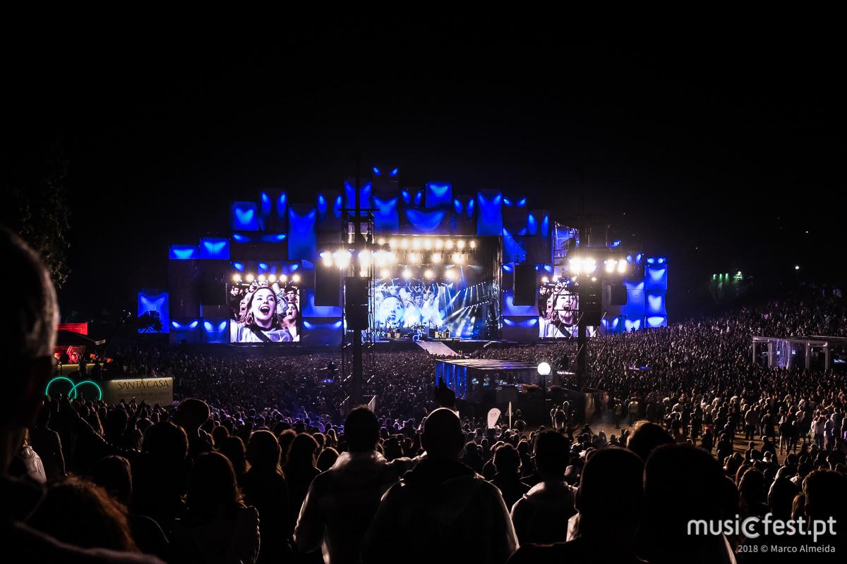 N.R.: Por opção da banda não nos foi possível fotografar o concerto dos The Killers