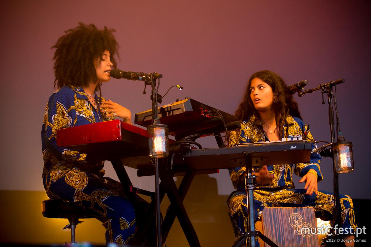 Vê aqui todas as fotos das Ibeyi no NOS Primavera Sound