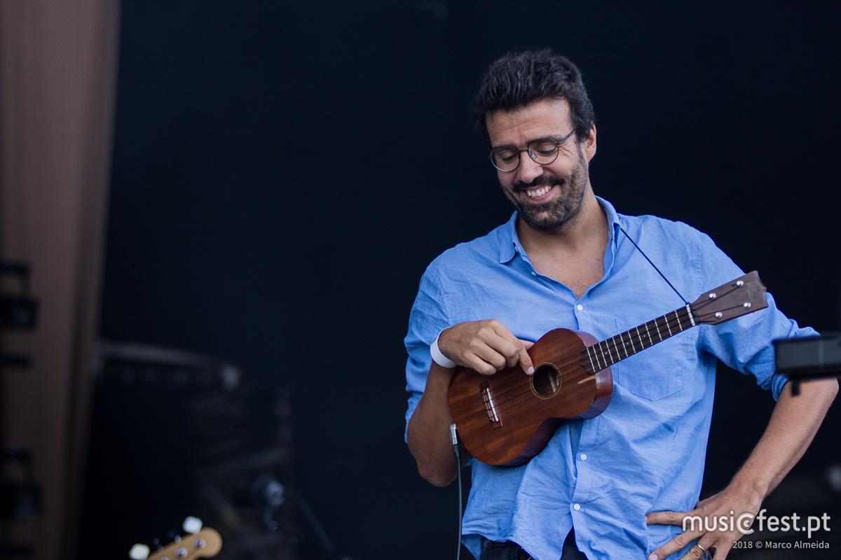 Vê aqui todas as fotos de Miguel Araújo no NOS Alive