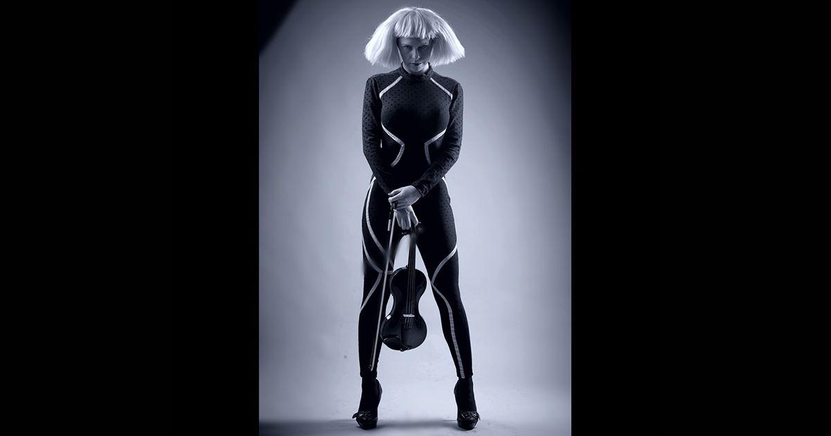 Single e vídeo de estreia de IAN - projeto da violinista Ianina Khmelik