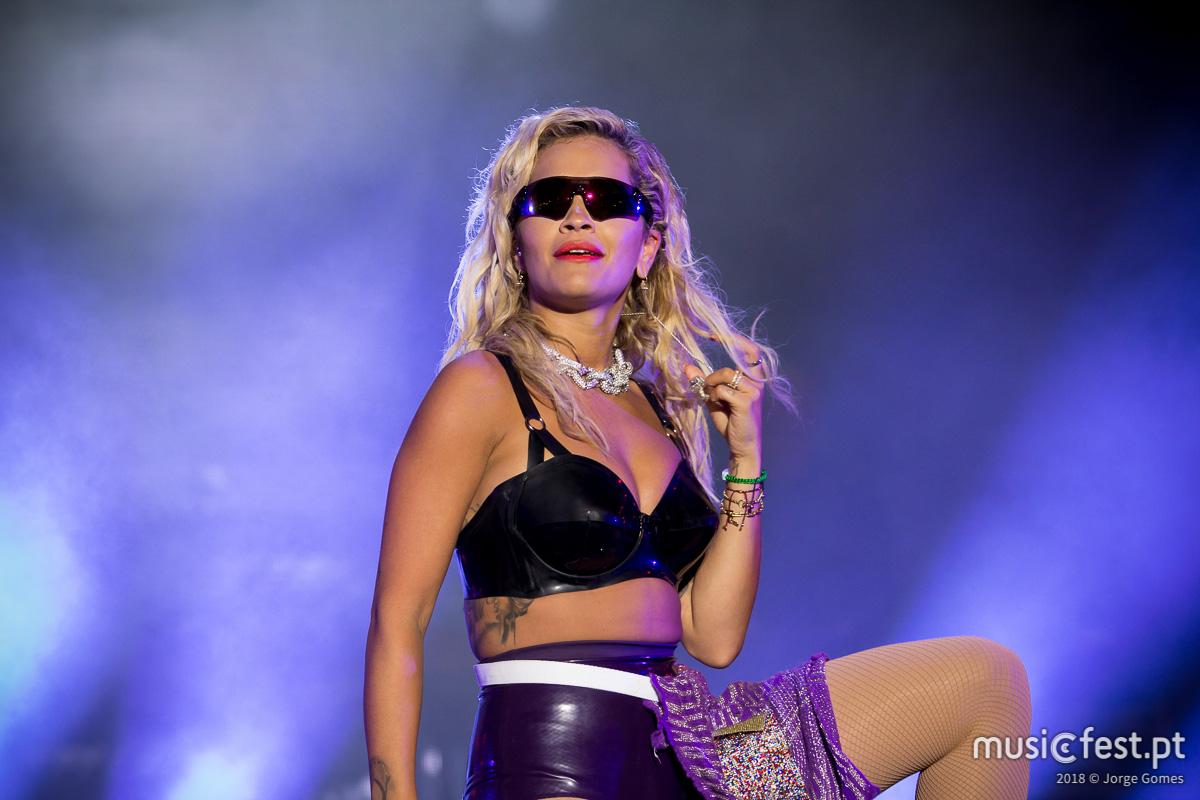 Vê aqui todas as fotos de Rita Ora no MEO Marés Vivas