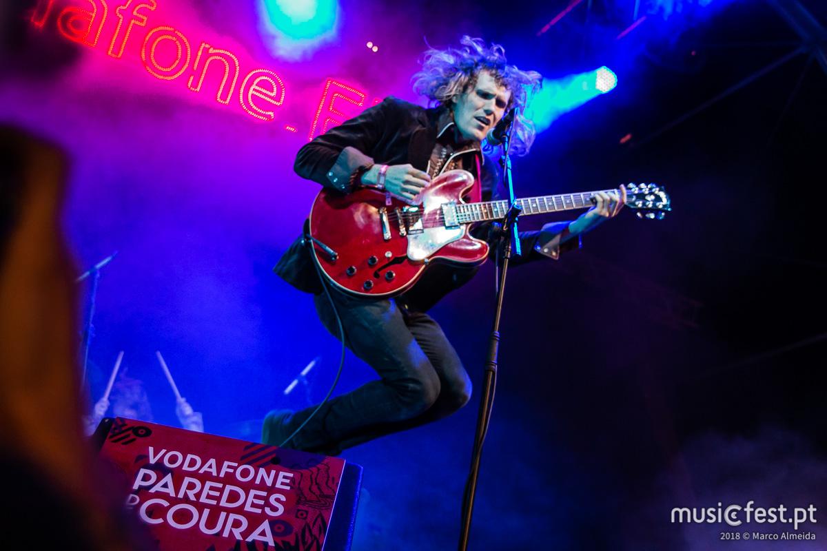 Vê aqui todas as fotos dos Mystery Lights no Vodafone Paredes de Coura