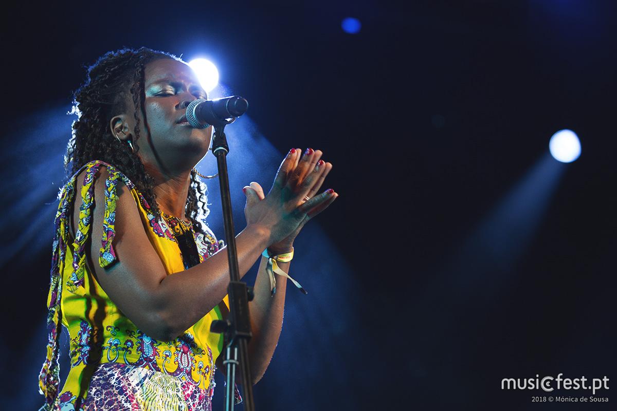 Vê aqui todas as fotos de Selma Uamusse no Bons Sons