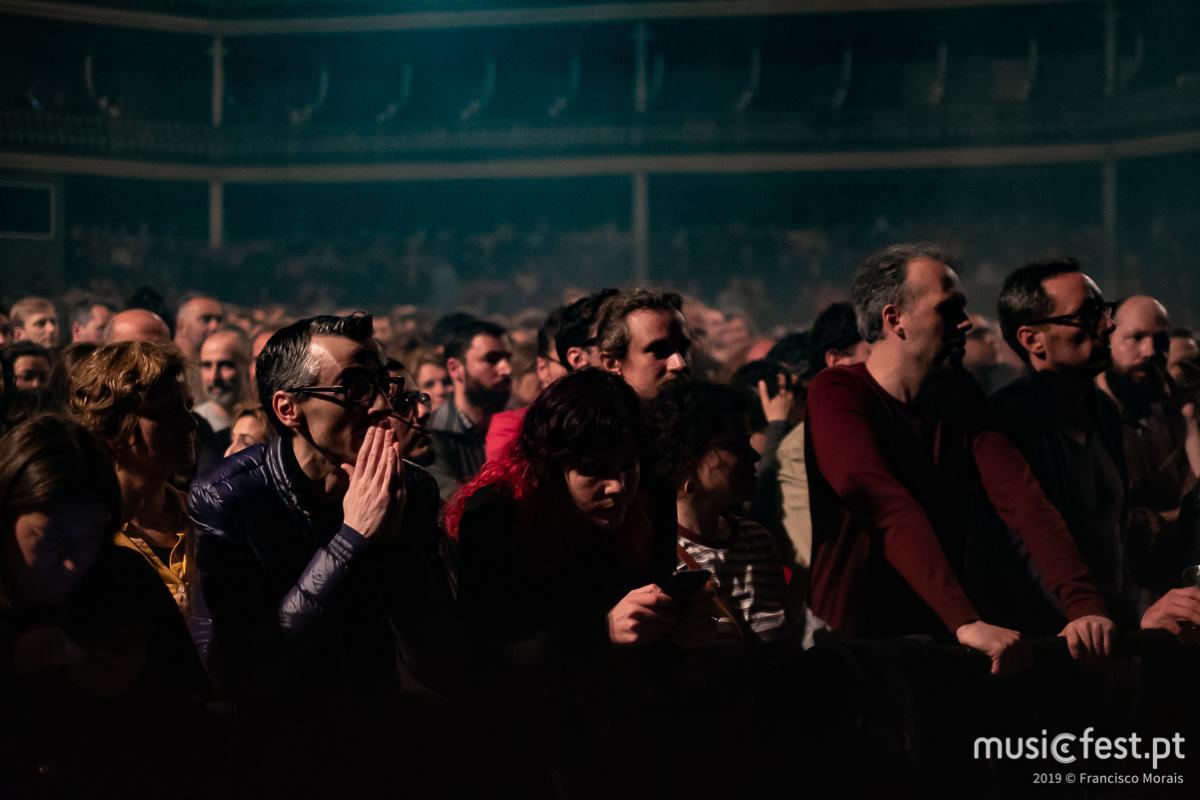 Vê aqui todas as fotos dos dEUS no Coliseu de Lisboa