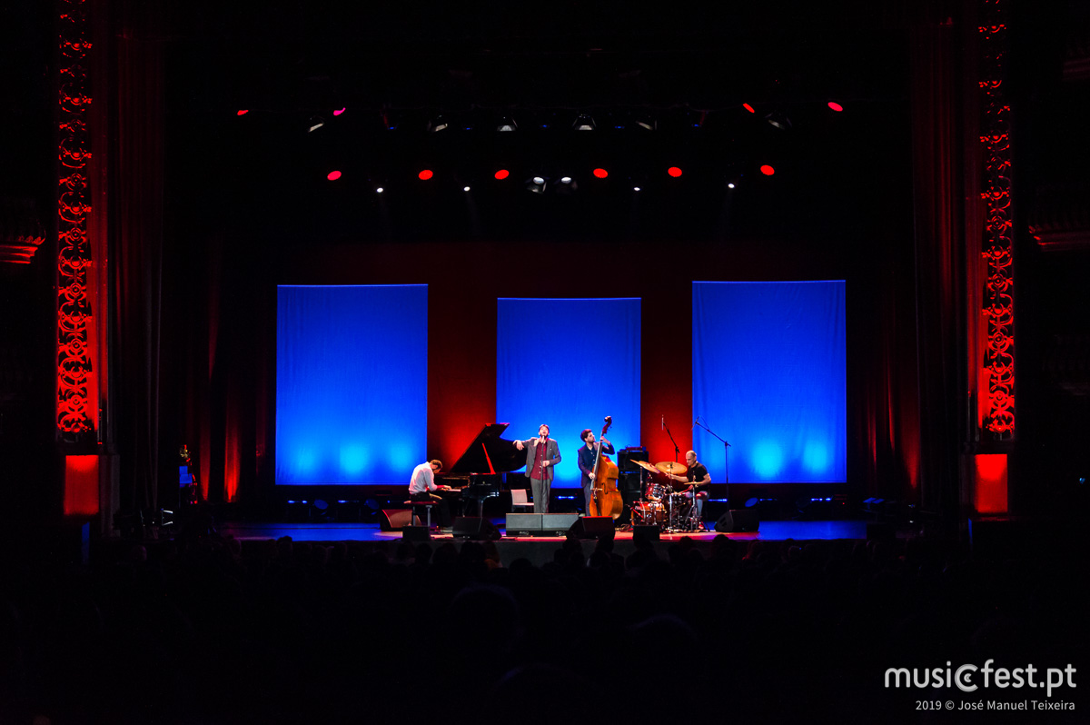Álbum novo – concerto novo para Salvador Sobral