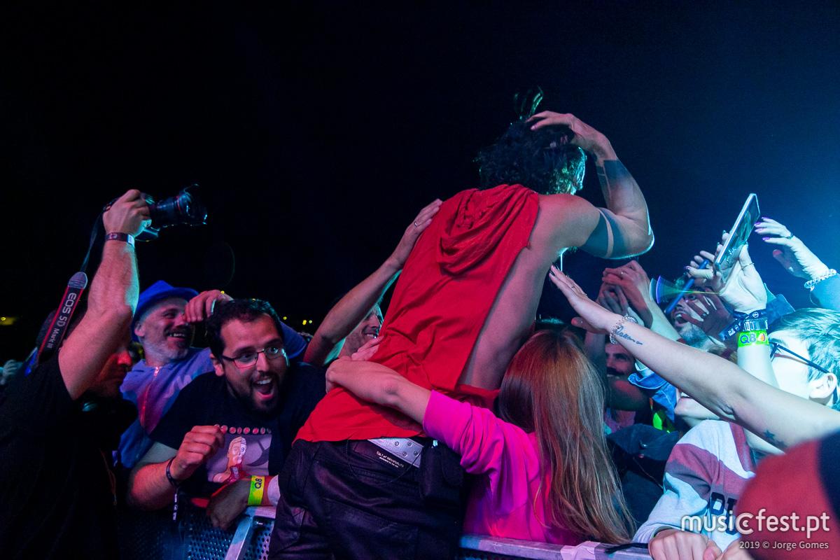 North Music Festival, o dia do punk cigano de Emir Kusturica e o rock empoderado dos Bush
