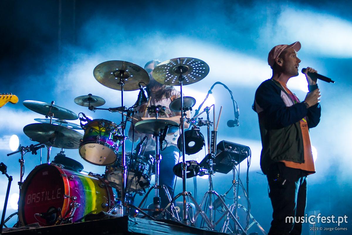 Vê aqui todas as fotos dos Bastille no North Music Festival