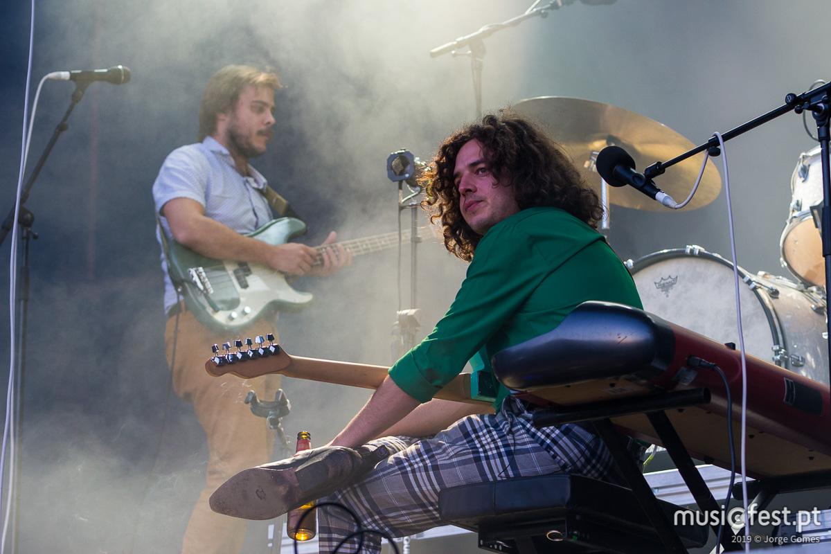 Vê aqui todas as fotos dos Capitão Fausto no North Music Festival