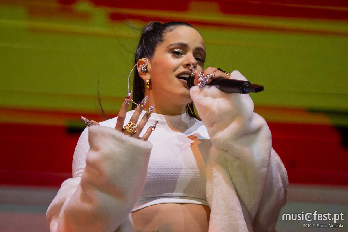 Vê aqui todas as fotos de Rosalía no NOS Primavera Sound