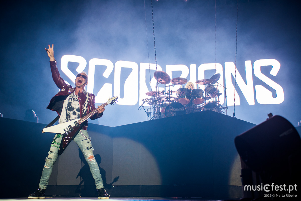 Scorpions mantêm acesa e viva a chama do rock
