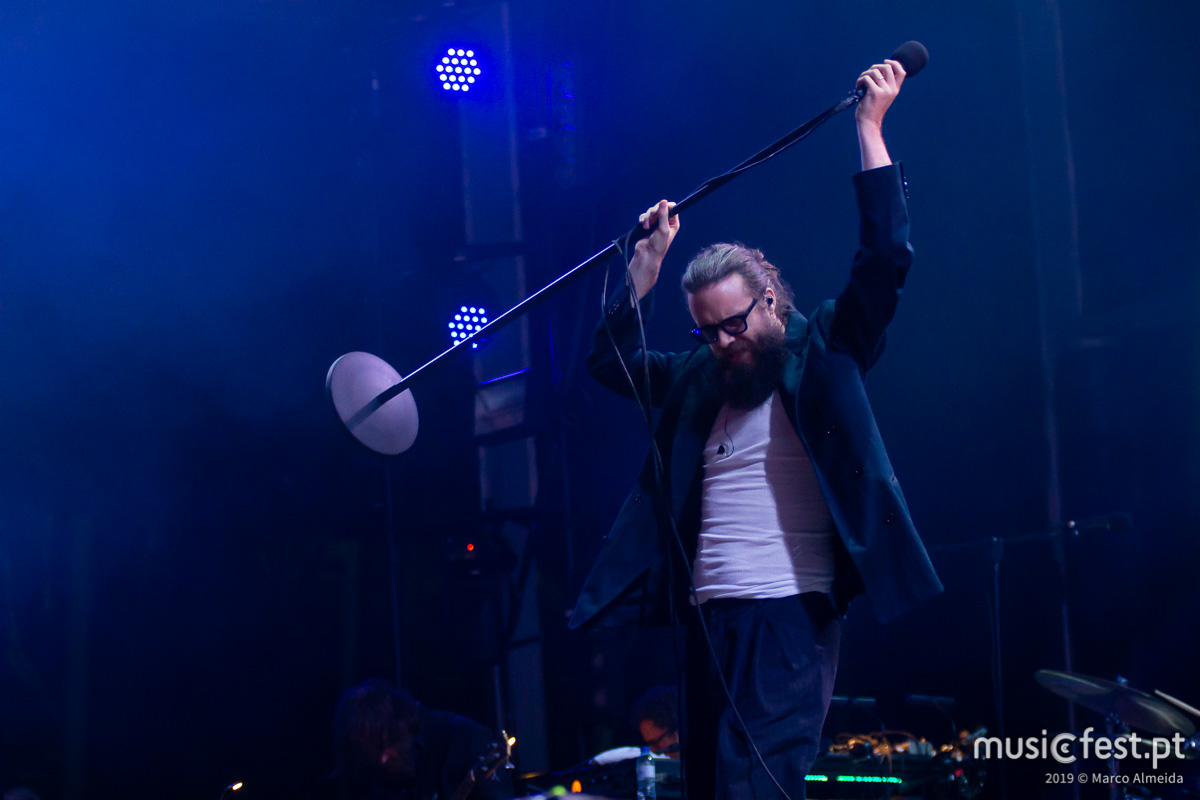 Vê aqui todas as fotos de Father John Misty no Vodafone Paredes de Coura