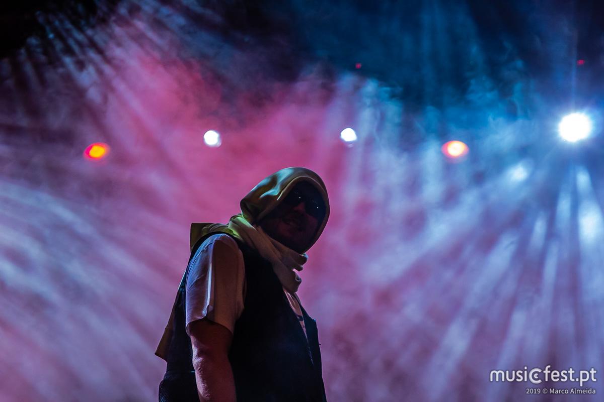 Vê aqui todas as fotos de Kamaal Williams no Vodafone Paredes de Coura