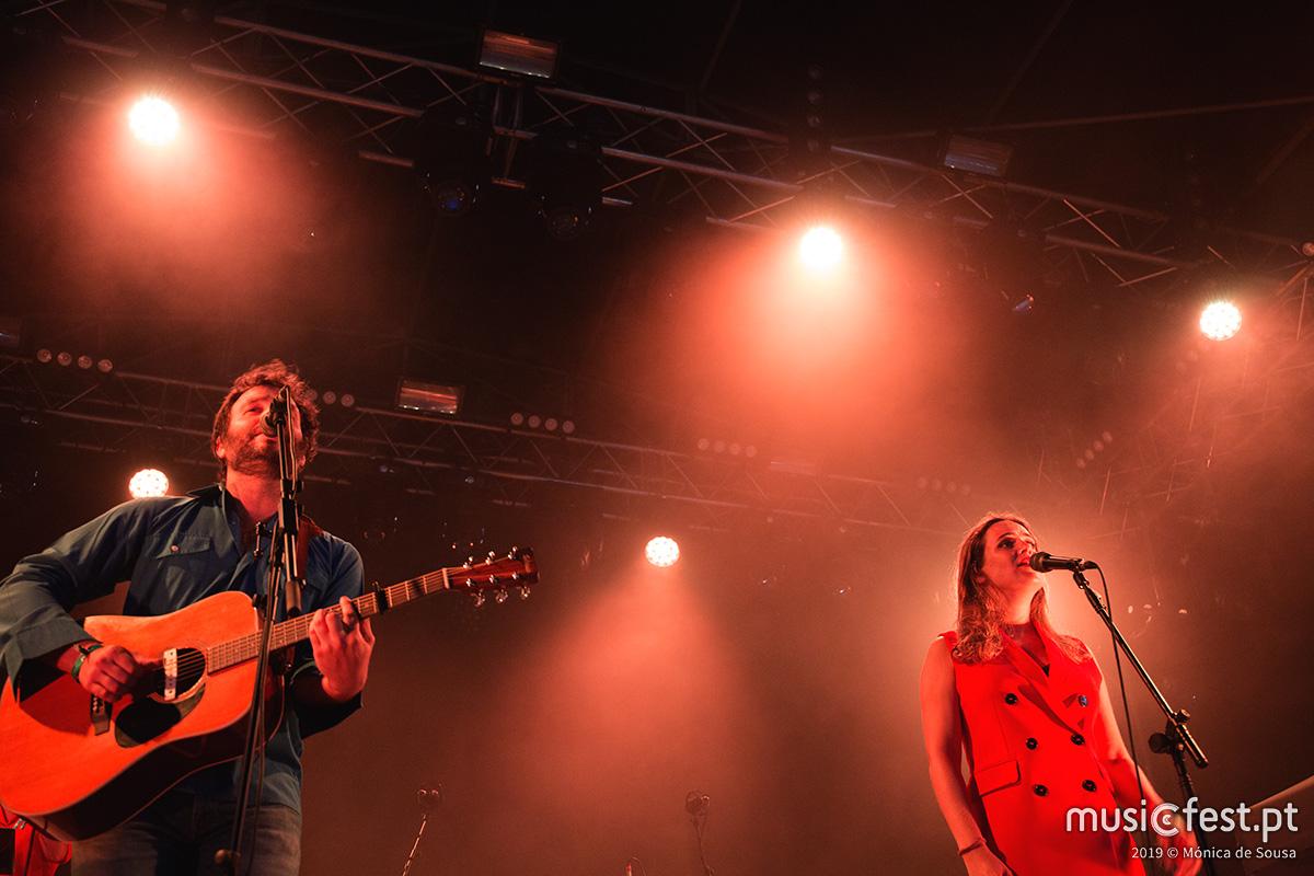 Vê aqui todas as fotos de Joana Espadinha + Benjamim no Bons Sons