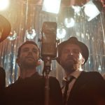 """Coldplay lançam novo vídeo para """"Cry Cry Cry"""""""