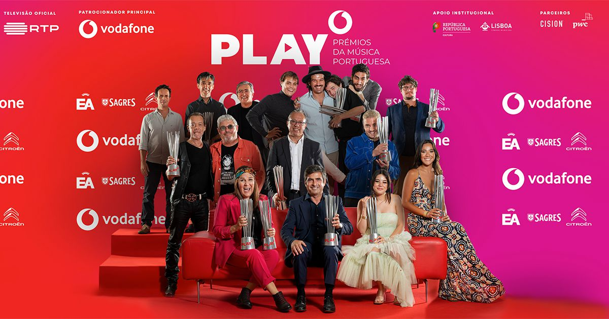 Camané e Mário Laginha recebem prémio PLAY de Melhor álbum e Melhor álbum fado - Vê aqui todos os vencedores