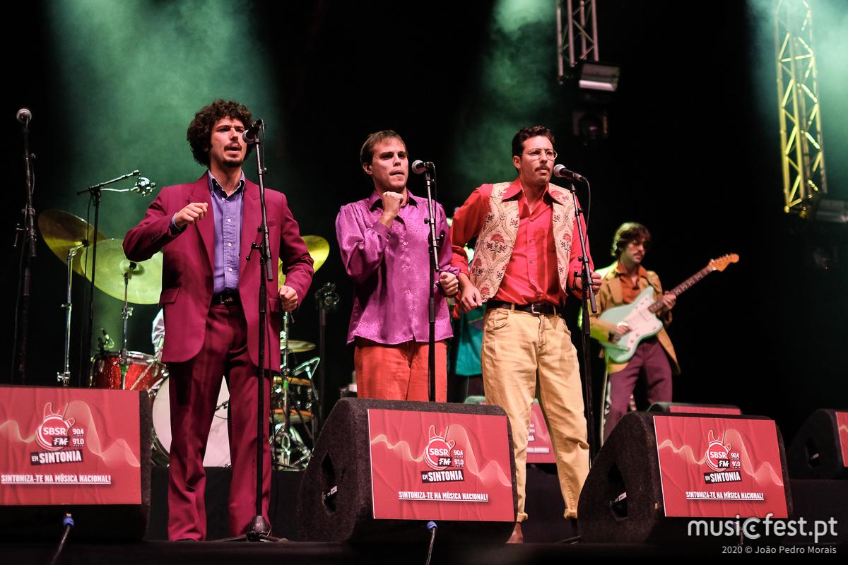 Vê aqui todas as fotos do Conjunto Cuca Monga no SBSR.FM Em Sintonia